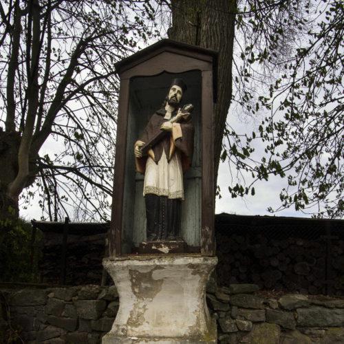 Socha sv. Jana Nepomuckého před opravou